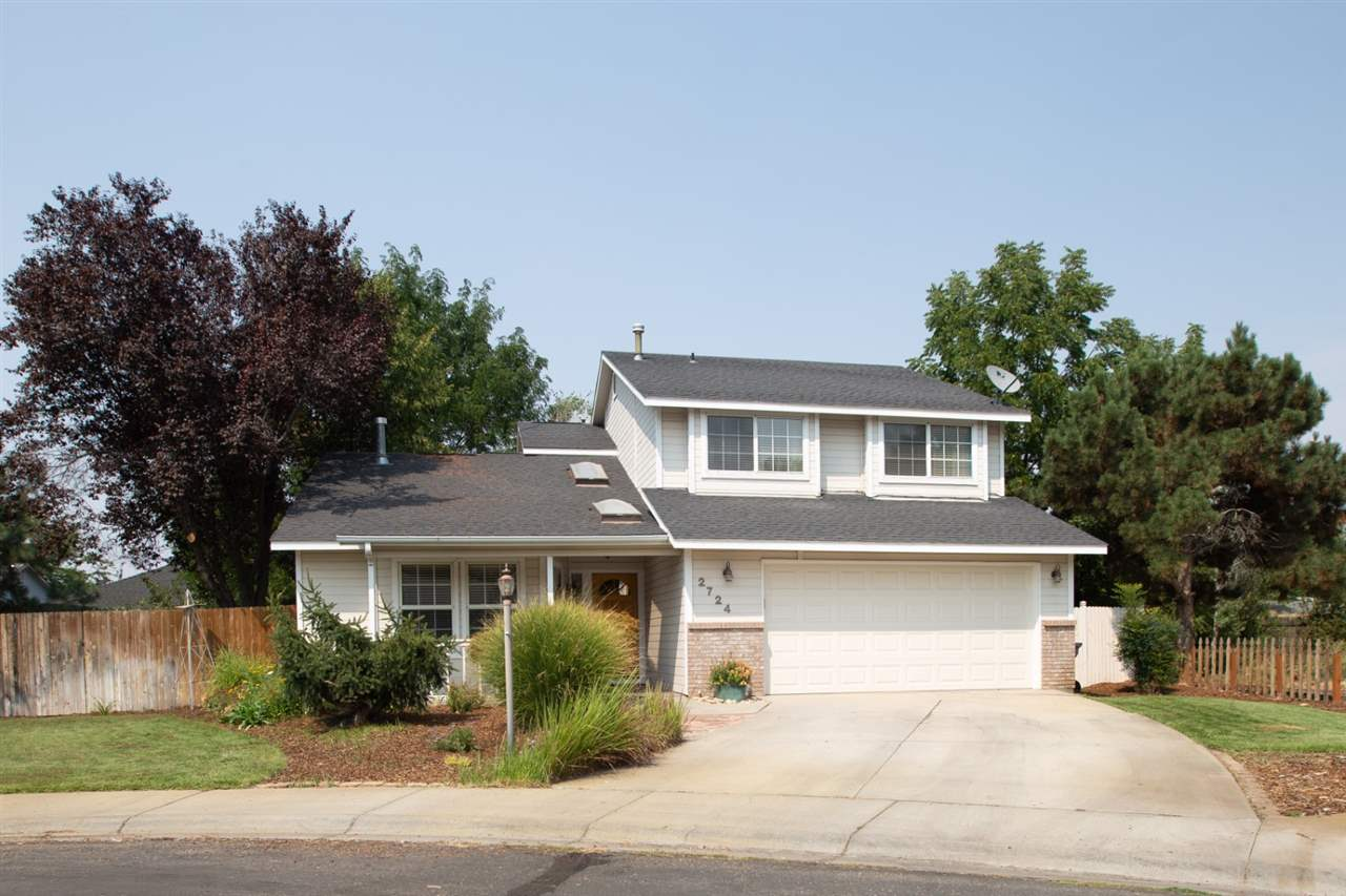 2724 N Camden Place, Boise, Idaho 83704, 3 Bedrooms Bedrooms, ,2.5 BathroomsBathrooms,Residential,For Sale,2724 N Camden Place,98704181
