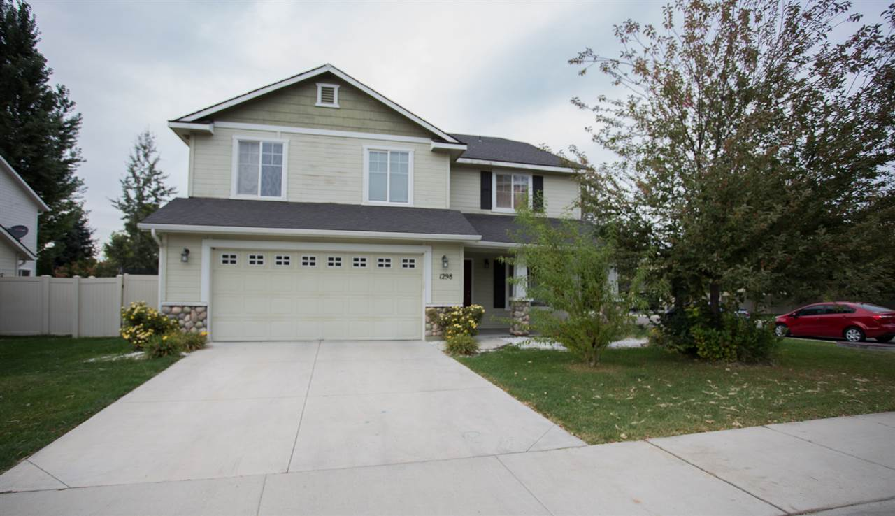 1298 E Palermo st, Meridian, Idaho 83642, 5 Bedrooms, 2.5 Bathrooms, Residential For Sale, Price $349,900, 98706647
