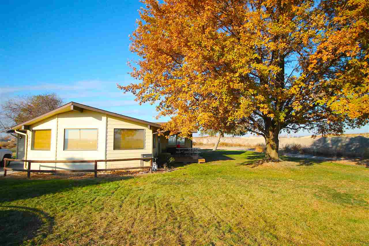21010 Boise River Road, Caldwell, Idaho 83607, 2 Bedrooms Bedrooms, ,2 BathroomsBathrooms,Residential,For Sale,21010 Boise River Road,98712841