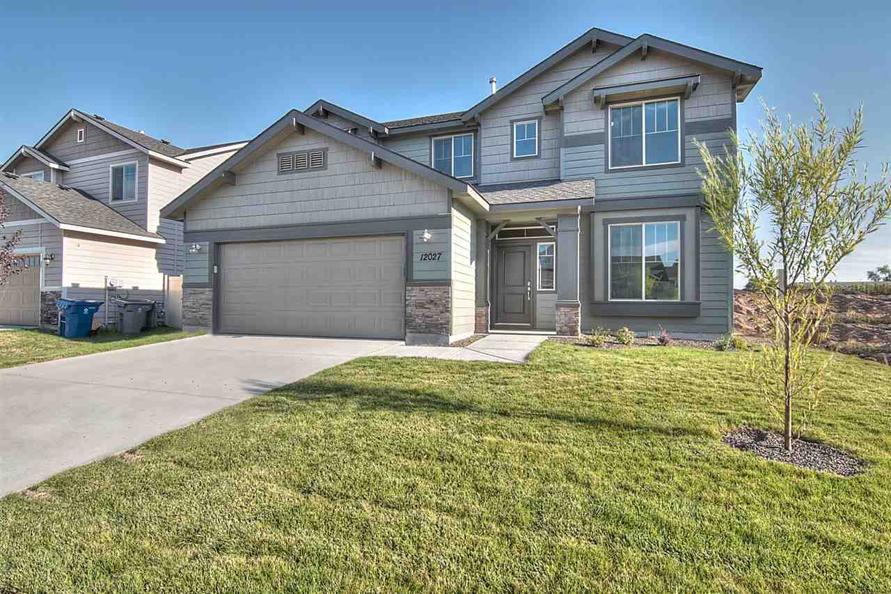 Cooking, eating, playing and living blend around the heart of the Glenlake 2153. Nothing is missing including a half bath and bedroom on the main floor. The home has room for everyone and their toys. Price includes sun valley wall texture, dual vanity, stainless appliances, granite, vinyl floors, and more. RCE-923.