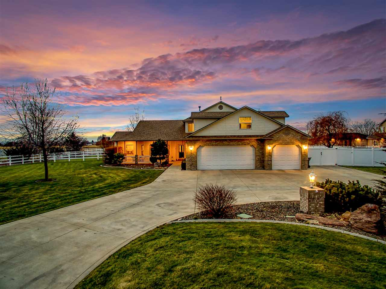 Embrace the serenity on this lush 1-acre property that maximizes privacy & views on the edge where Meridian & Nampa connect. Comfortably situated at the end of a cul-de-sac with no rear neighbors, this home offers peace & quiet to relax & recharge. Spacious design hosts two master suites + a bonus room that can be used as a 5th bedroom. Family sized kitchen features stainless steel appliances & custom cabinetry with pull out shelving. Hardwood floors flow through the living area, mudroom, & formal dining.
