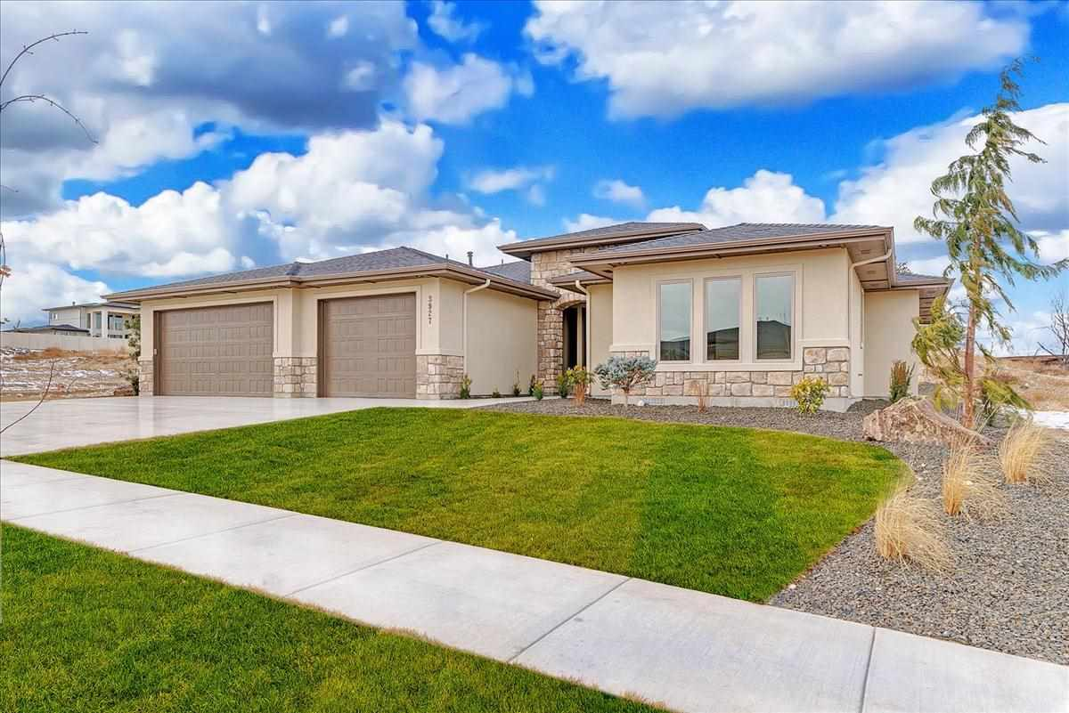 Everything you want in a single level on 1/3 of an acre! Shadow Mountain has done it again with this luxurious home on a corner lot with a private backyard. Stainless steal appliances and a Thermadore range in your chef's kitchen. Beautiful master suite with lots of space and a spa inspired bathroom. Bonus room on the main level to suit any of your needs. With lots of storage and open living space. You don't want to miss this one it's MOVE-IN-READY right now in Caven Ridge Estates.