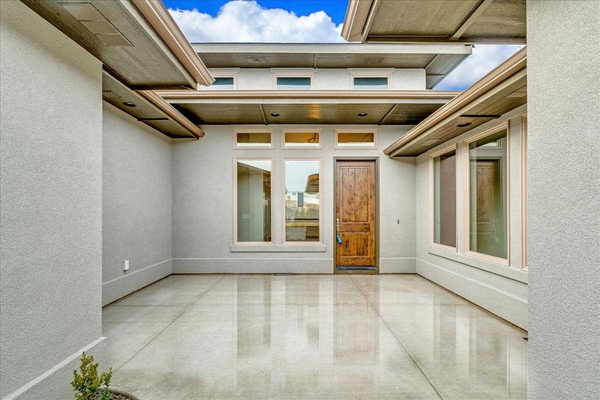 "You'll love the ""Tivoli with Casita"" by Shadow Mountain Homes is MOVE-IN-READY. With a large Master Suite including a soaker tub and large walk in shower, guest suite with on suite bathroom and walk-in closet as well as a true Mother-in-Law Suite (Casita) with it's own acess into the courtyard, kitchenette, washer/dryer hookup, walk-in closet and bath. Large pantry off the impressive chef's kitchen with Thermadore cooktop, & stainless steal appliances."