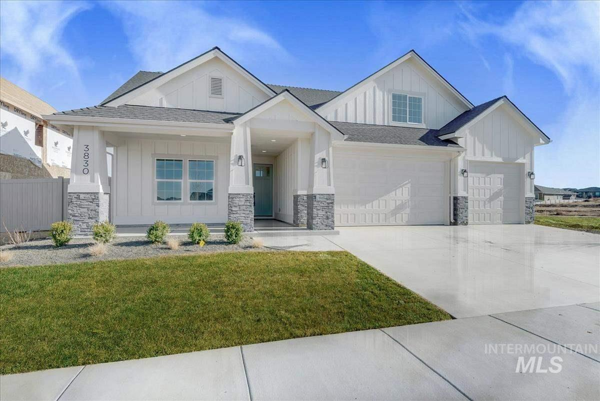 "Biltmore Co. continues to impress with the ""Sandalwood"" in Caven Ridge Estates. This split bedroom floor plan that is great for entertaining! Features include an upstairs bonus room with bedroom & full bath, downstairs you'll find your kitchen with a large breakfast bar, quartz counters, stainless steel appliances & a large pantry and spacious master, beautiful master bath has a huge walk-in closet, dual sinks and tile floors."