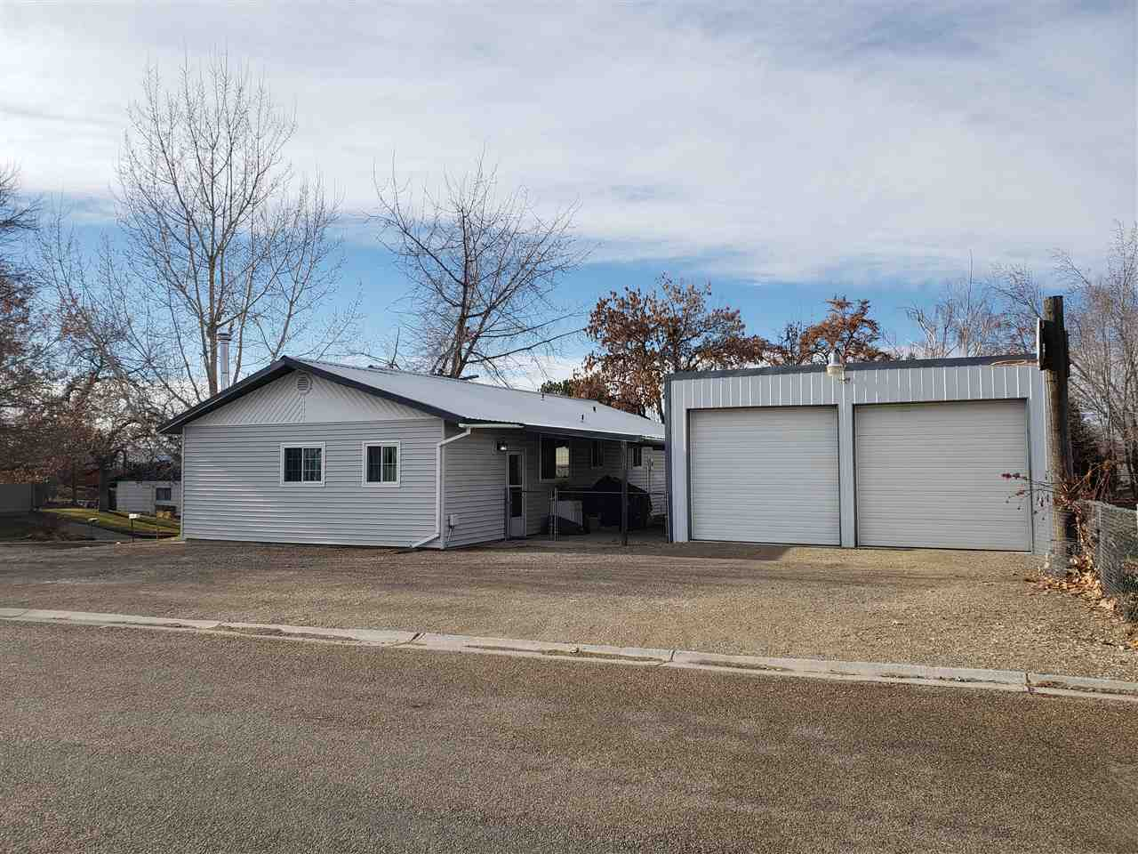 921 N 9th Street, Parma, Idaho 83660-5966, 4 Bedrooms, 1 Bathroom, Residential For Sale, Price $189,999, 98715188
