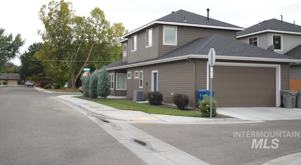 940 E Wright, Boise, Idaho 83706, 3 Bedrooms, 2.5 Bathrooms, Rental For Rent, Price $1,800, 98716308