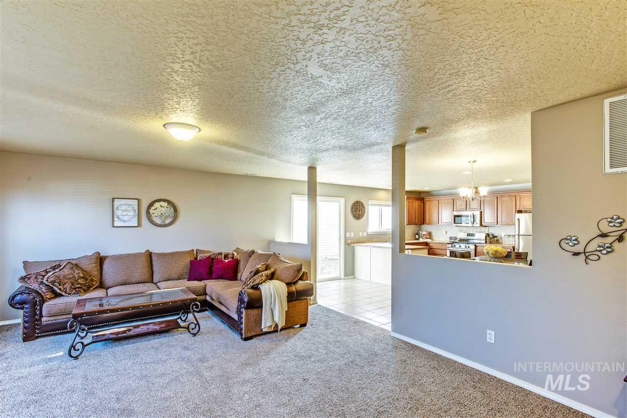 9305 Lillywood Dr, Boise, Idaho 83709, 3 Bedrooms, 2.5 Bathrooms, Residential For Sale, Price $249,000, 98716406