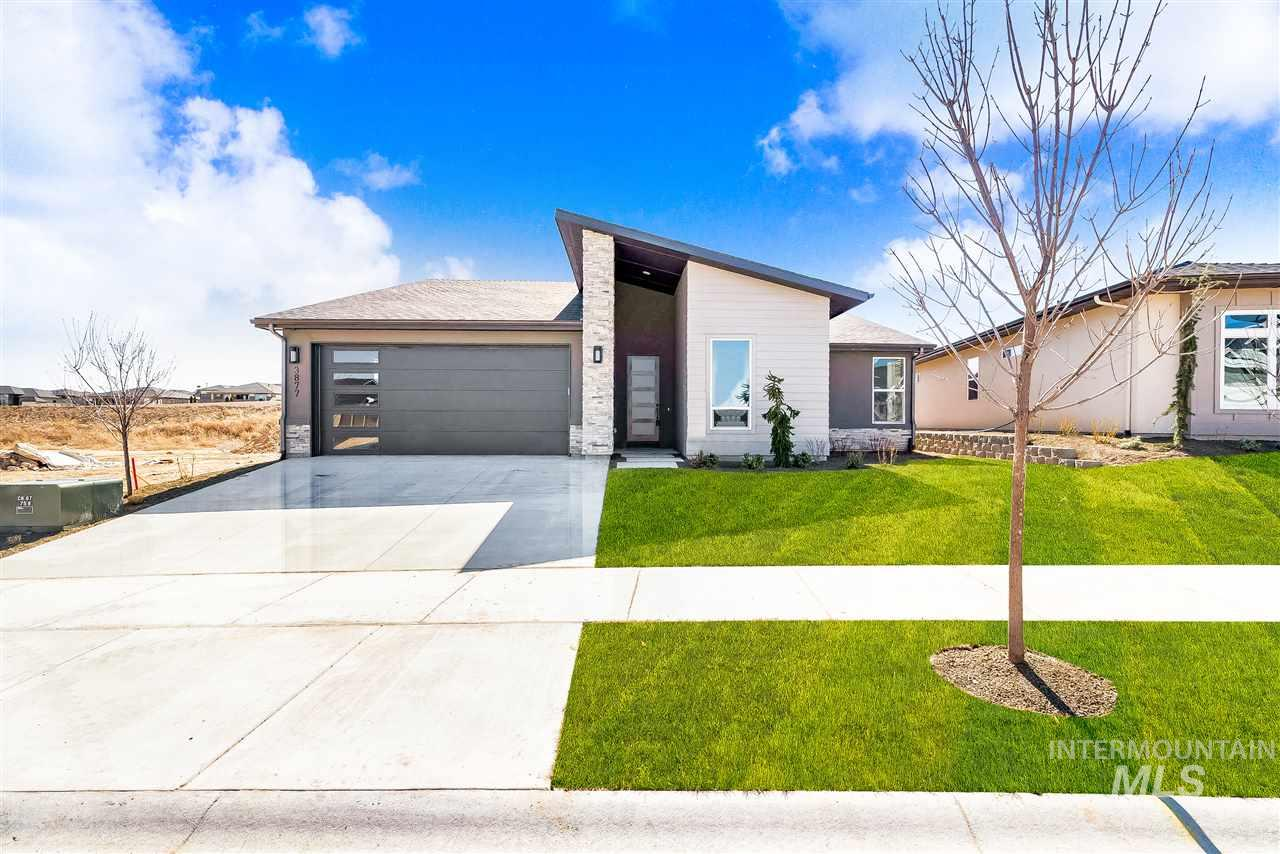 You don't want to miss this contemporary/modern charmer by Canyon Crest Homes. This home has a beautiful front office off the main entry along with an entry nook. Lots of natural light and a long, sleak fireplace in the main living area. Large pantry and gorgeous kitchen will accomodate any home chef's culinary adventures. Spacious Master with roomy walk-in closet will have you feeling right at home. garage has an extra deep bay for your truck or SUV.