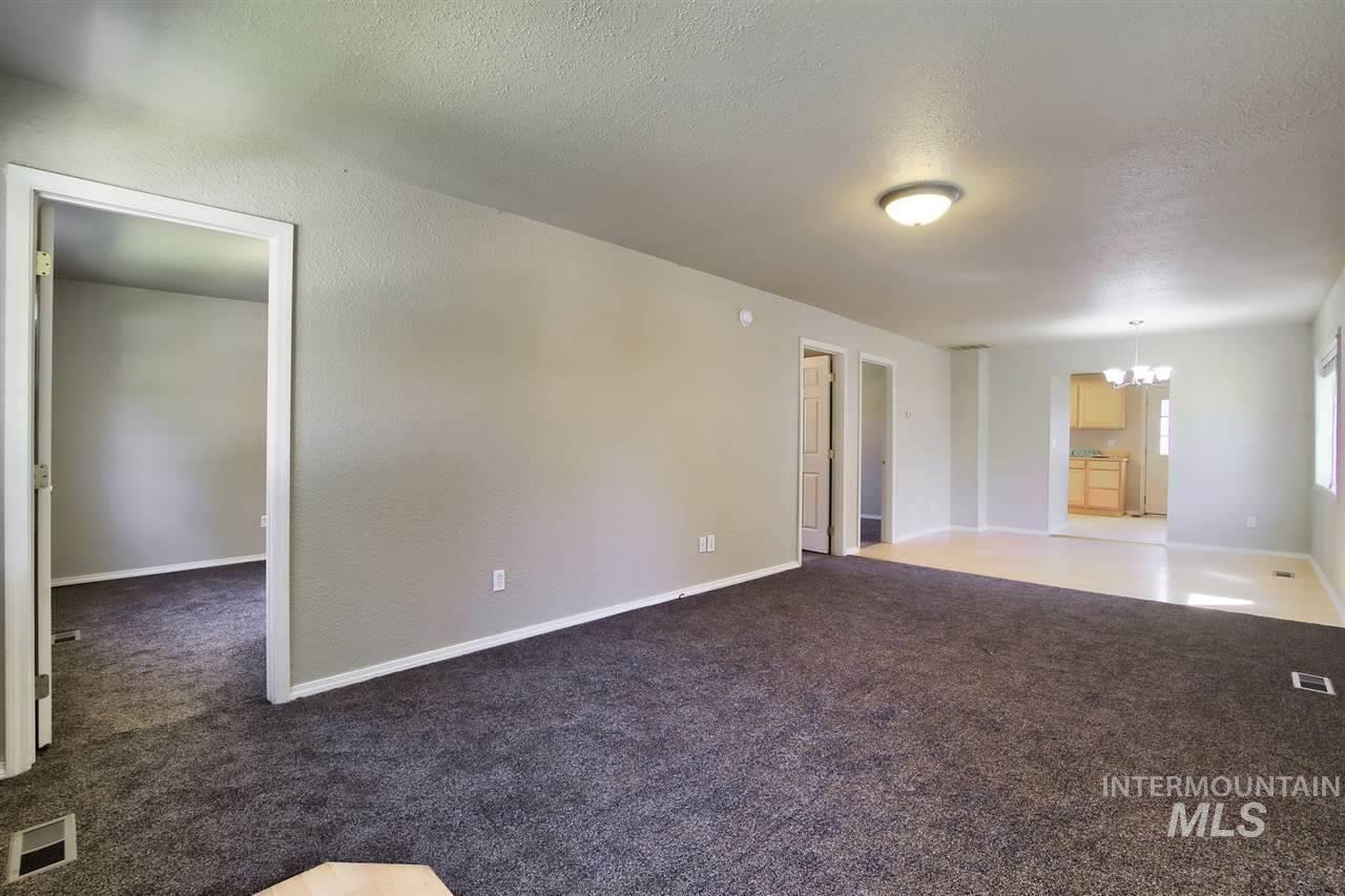 2220 S Division, Boise, Idaho 83706, 3 Bedrooms, 1 Bathroom, Rental For Rent, Price $1,300, 98717509