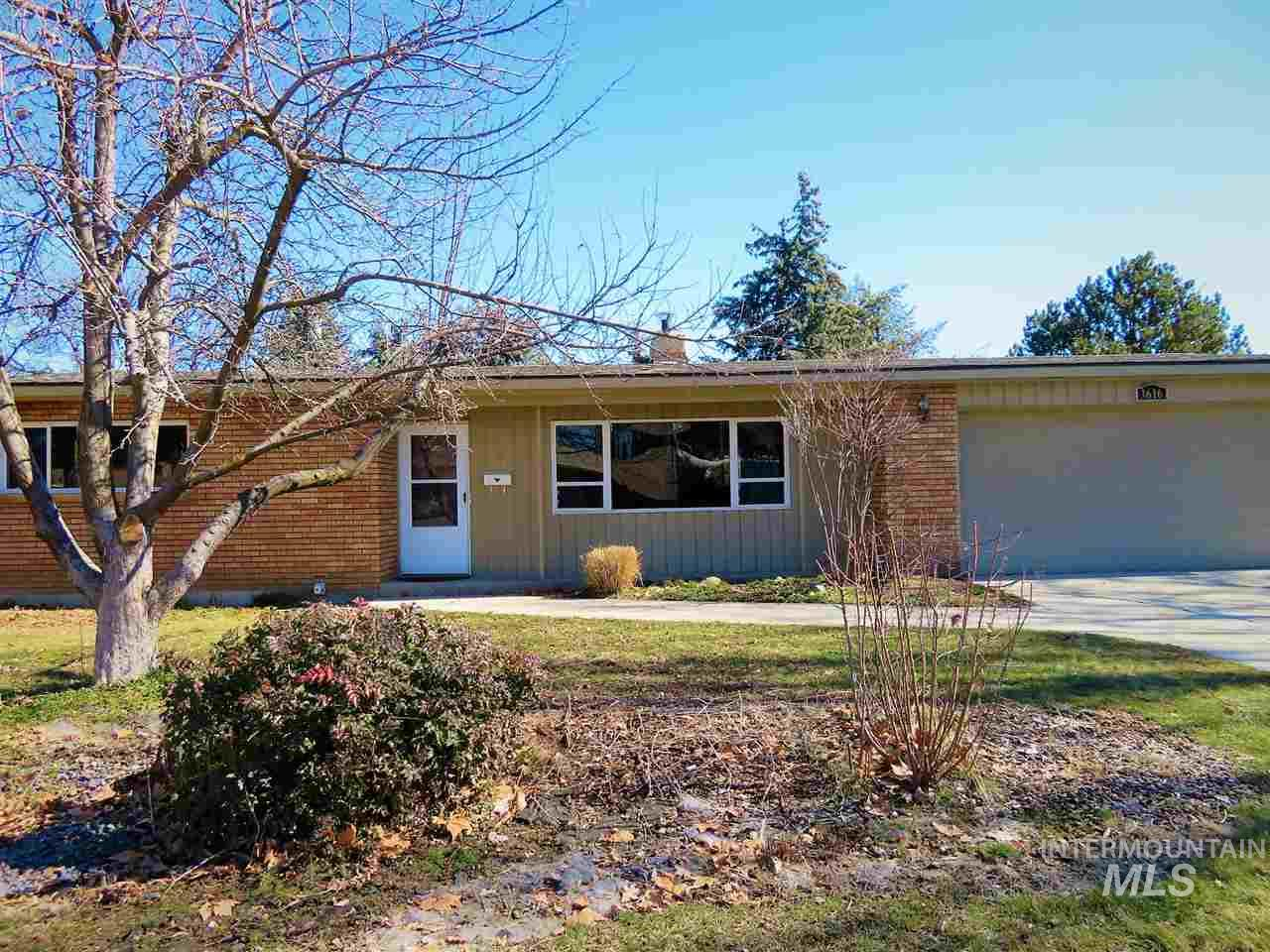 3616 N Cabarton Ln, Boise, Idaho 83704, 3 Bedrooms, 2 Bathrooms, Rental For Rent, Price $1,500, 98717610