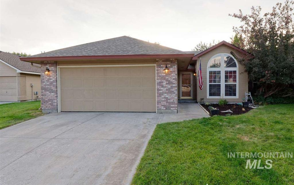 2155 N Amethyst Place, Meridian, Idaho 83646, 3 Bedrooms, 2 Bathrooms, Rental For Rent, Price $1,495, 98717612