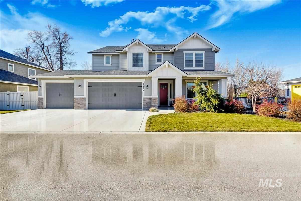 Rare find tucked away in SE Boise. Quiet private drive to over-sized 3 car garage. Clean white kitchen w/granite island & Bosch dual ovens & gas range flows into entertaining great room boasting lots of natural light & grand ceilings. Guest suite & Media Room/5th bdrm on main level + office space w/built-ins. Don't miss playroom under stairs. Large flex space loft upstairs w/storage, perfect craft area. Over sized covered patio to grill & larger private fenced yard.