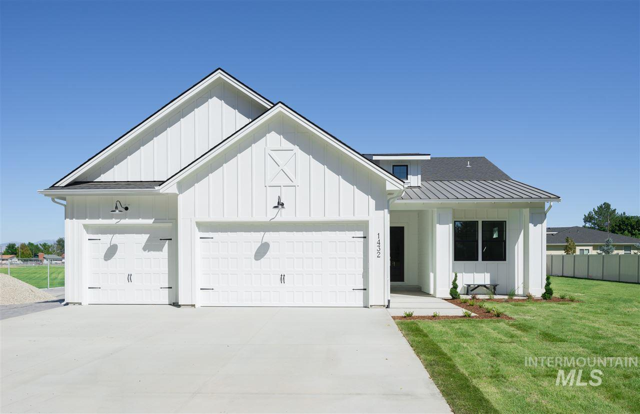 207 W Wrangler St, Meridian, Idaho 83646, 3 Bedrooms, 2 Bathrooms, Residential For Sale, Price $410,000, 98718913