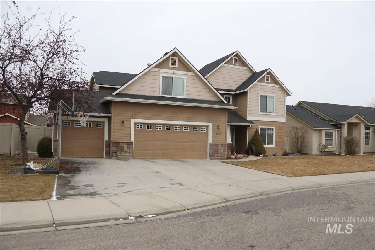 1238 E Sicily St, Meridian, Idaho 83642, 5 Bedrooms, 2.5 Bathrooms, Residential For Sale, Price $334,900, 98718954