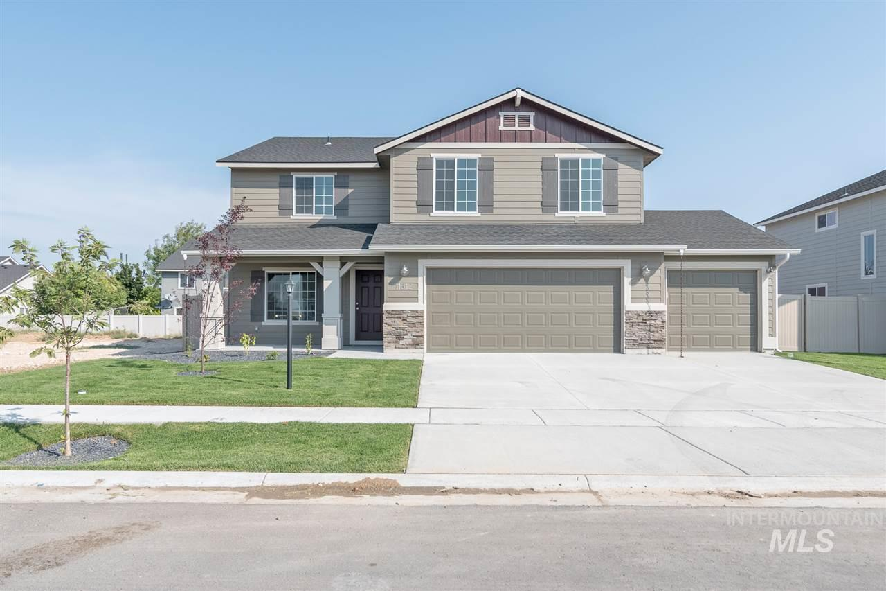 The Sundance 2710 gives you all the room you need. The upstairs features four large bedrooms with a loft area. The main level boasts formal living and dining, with a large family room off the kitchen. Price includes 3rd bay, fireplace, dual vanity, granite kitchen countertops, vinyl floors, and more. RCE-923