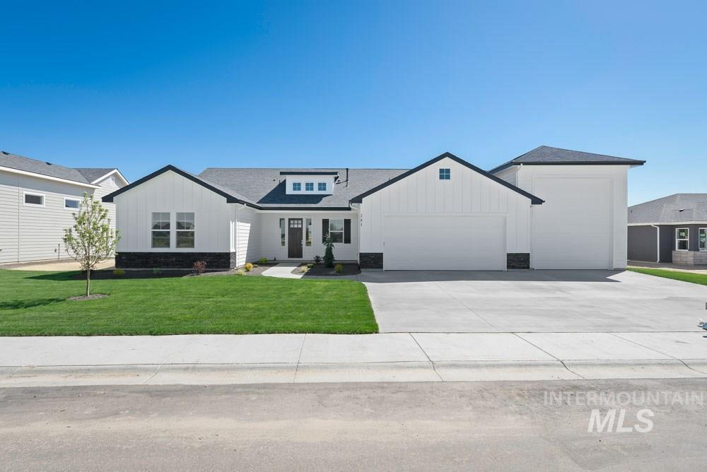 381 Applecreek, Middleton, Idaho 83644, 4 Bedrooms, 3.5 Bathrooms, Residential For Sale, Price $420,000, 98719468