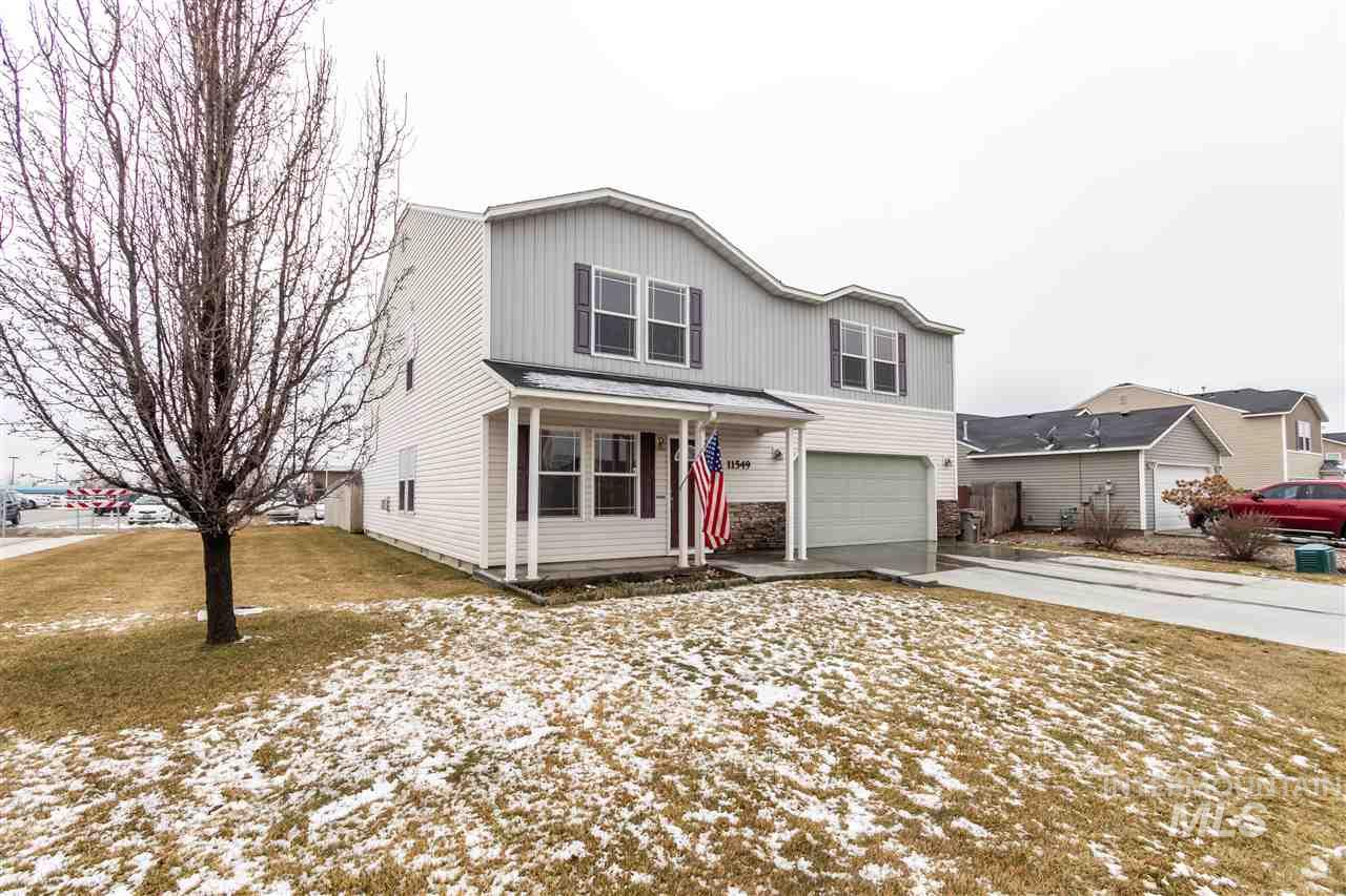 You won't believe the massive spread in this corner lot home w/ RV parking & privacy. EVERY room is huge! Large open concept kitchen boasts DBL oven & the pantry will be one of the biggest you will ever see w/plenty of room for extra freezer & fridge in it! The smallest BR rivals a master at 10x14! Lots of walk-in closets.  Rec room up. The 27x13 master has a 13x9x9 sitting area + ensuite + 12x8 walk-in closet bring the Master Retreat to over 600sqft! New furnace 2017. Vallivue SD. Walk to Vision Charter.