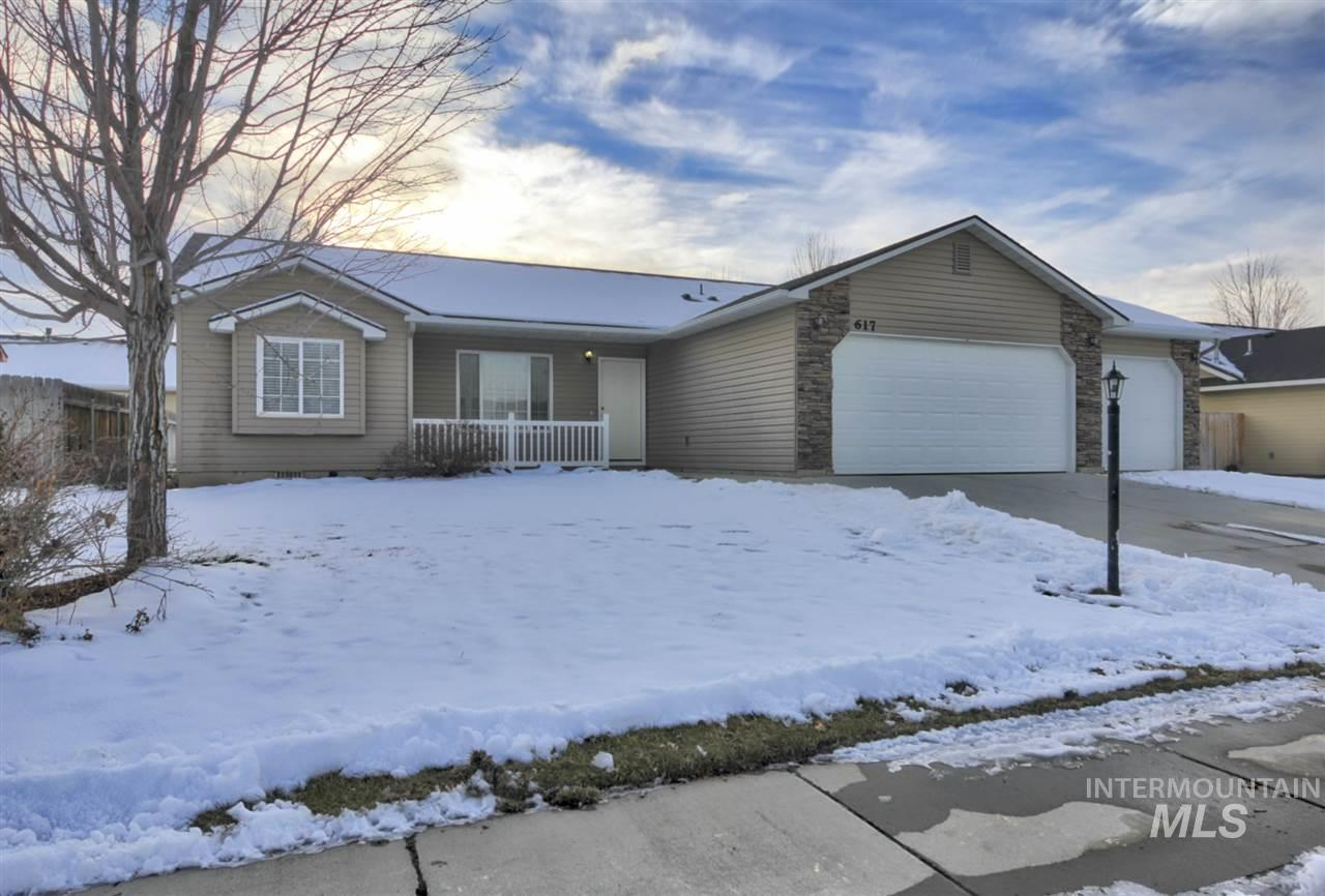 617 Edmund, Caldwell, Idaho 83605, 3 Bedrooms, 2 Bathrooms, Rental For Rent, Price $1,250, 98721566