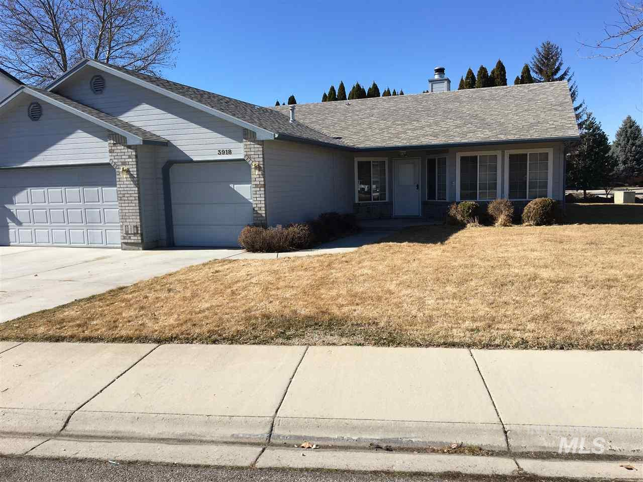 3918 W Big Creek, Meridian, Idaho 83642, 3 Bedrooms, 2 Bathrooms, Rental For Rent, Price $1,495, 98721597