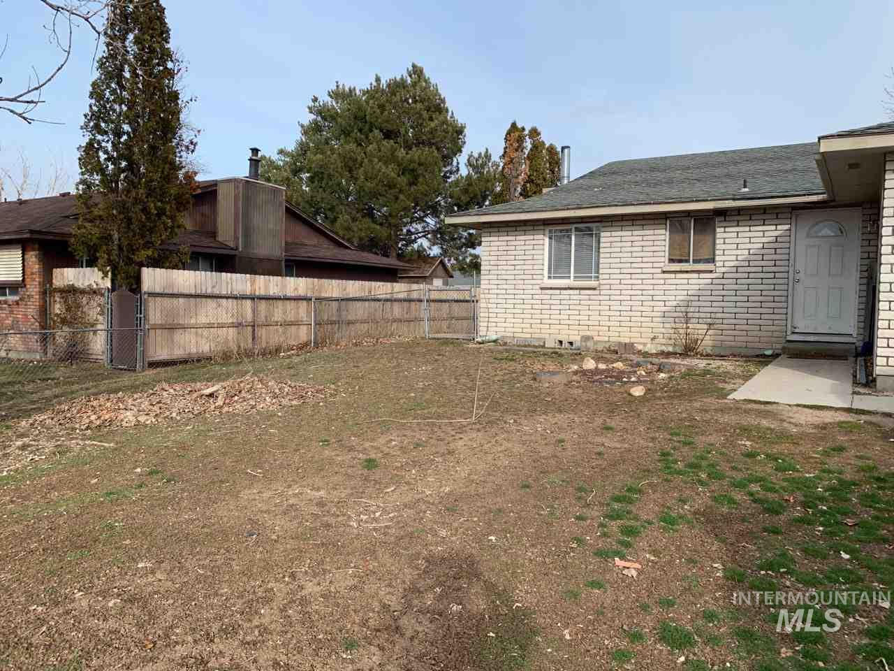 3820 S Upland Ave., Boise, Idaho 83709, 3 Bedrooms, 1 Bathroom, Residential Income For Sale, Price $300,000, 98721704
