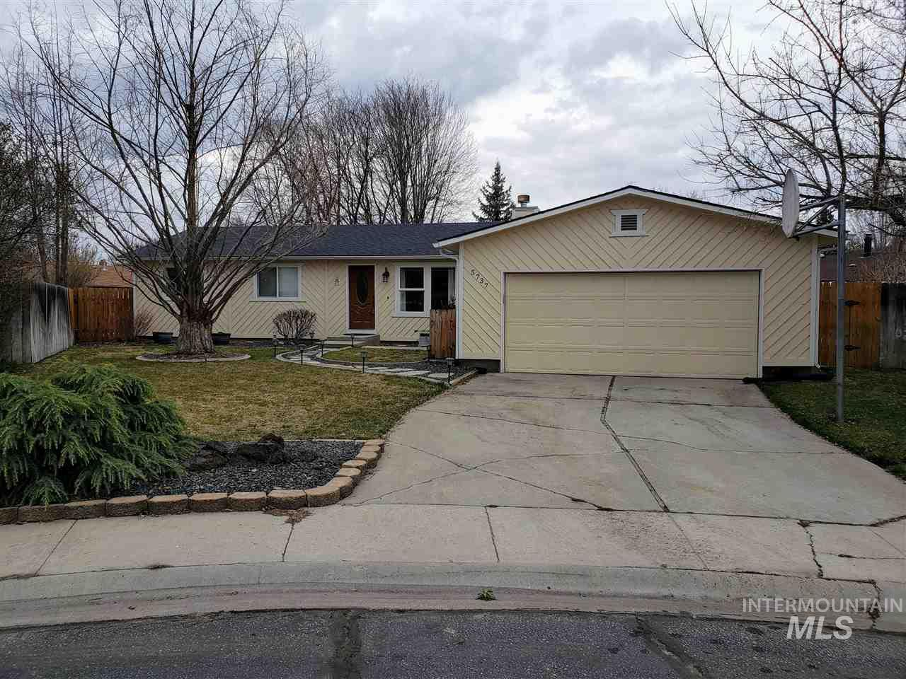 5737 N Milldam Pl, Garden City, Idaho 83714, 3 Bedrooms, 2 Bathrooms, Residential For Sale, Price $279,900, 98721958