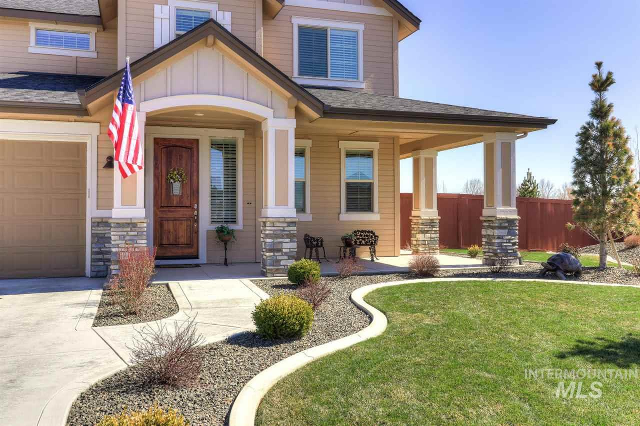 1052 N Glen Aspen Way, Star, Idaho 83669, 4 Bedrooms, 2.5 Bathrooms, Residential For Sale, Price $409,000, 98722115