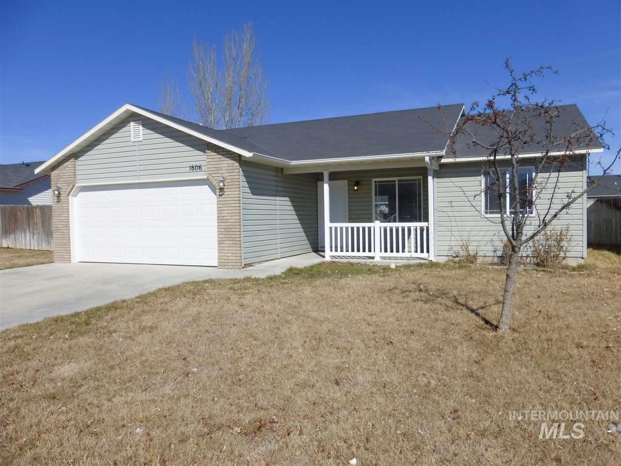 1606 W Meffan Ave, Nampa, Idaho 83651, 3 Bedrooms, 2 Bathrooms, Residential For Sale, Price $174,900, 98722116