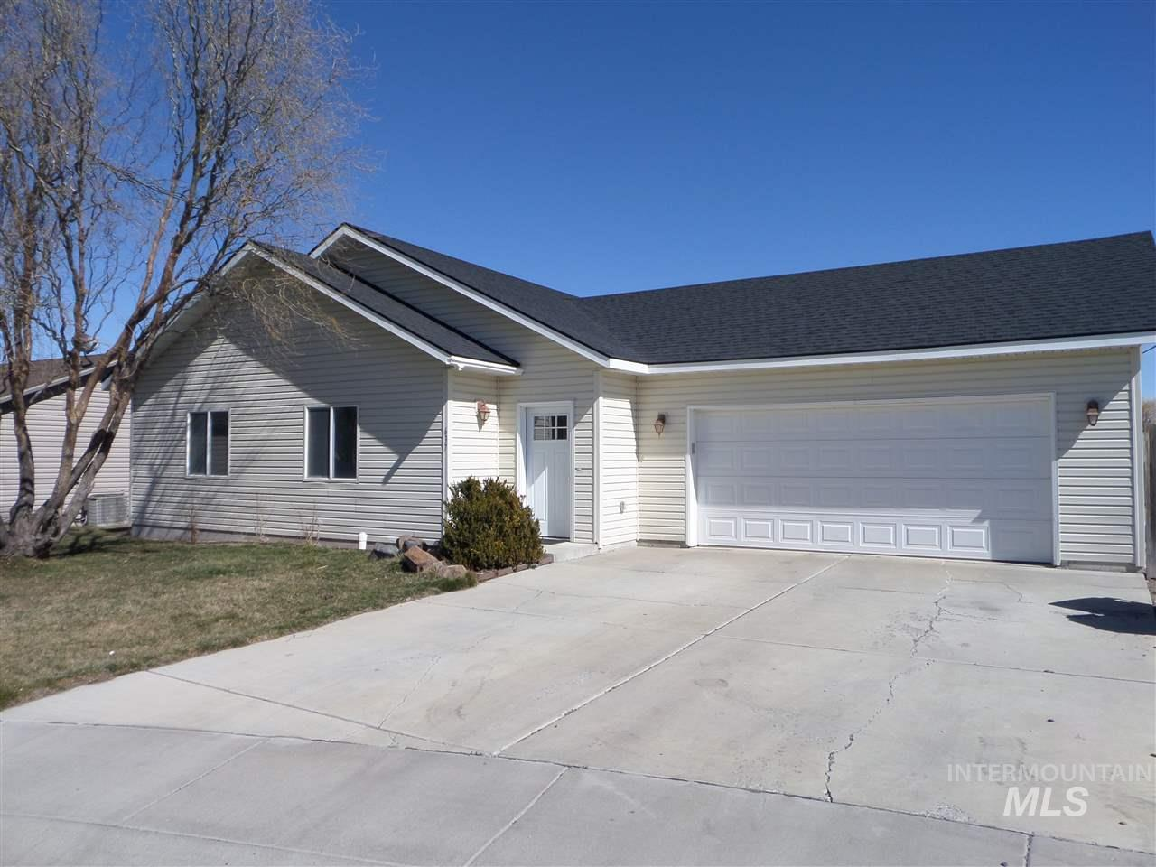 637 Titleist Court, Twin Falls, Idaho 83301, 3 Bedrooms, 2 Bathrooms, Residential For Sale, Price $174,900, 98722128