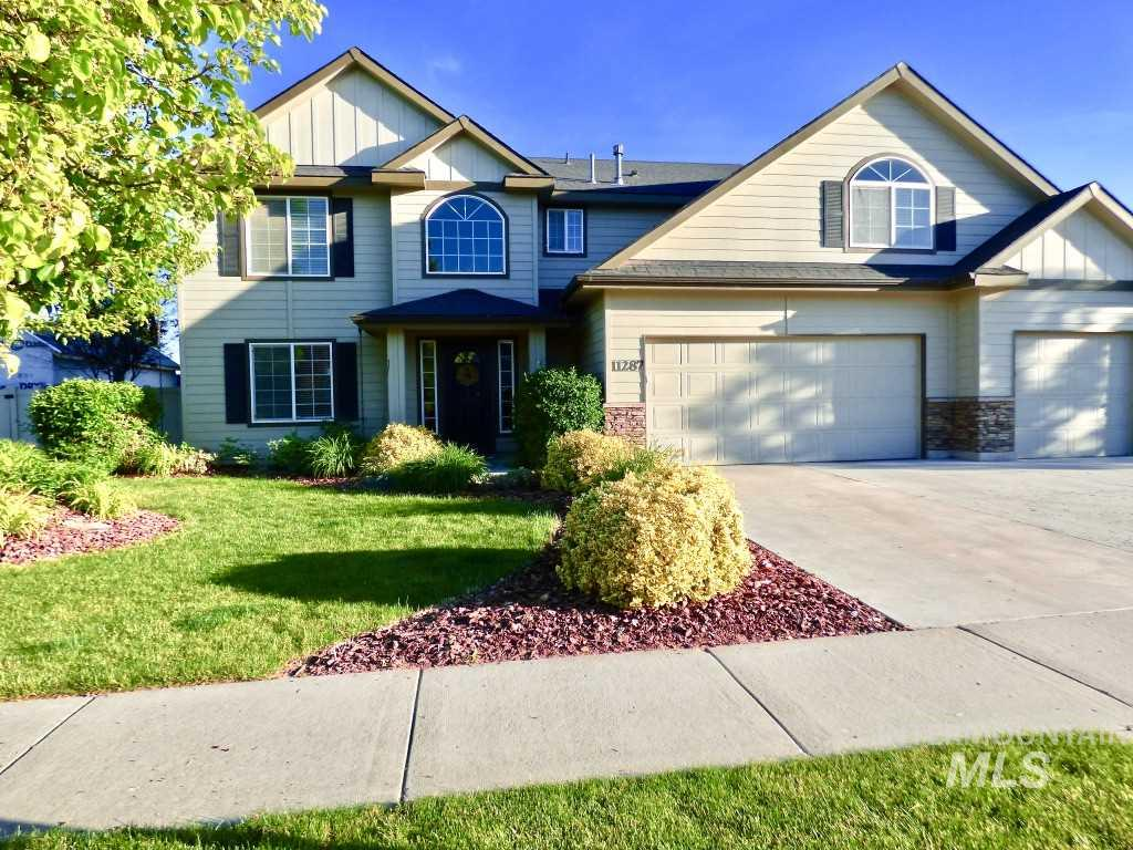11287 W Kipling, Nampa, Idaho 83651, 5 Bedrooms, 2.5 Bathrooms, Residential For Sale, Price $299,000, 98722153