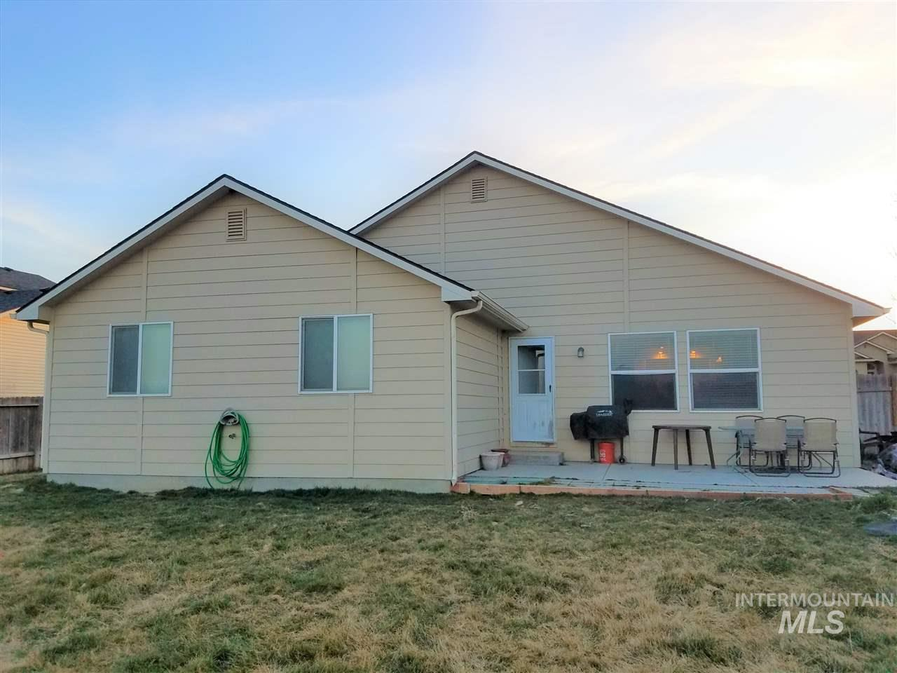 522 Morning Dove Way, Marsing, Idaho 83639, 3 Bedrooms, 2 Bathrooms, Residential For Sale, Price $249,500, 98722158