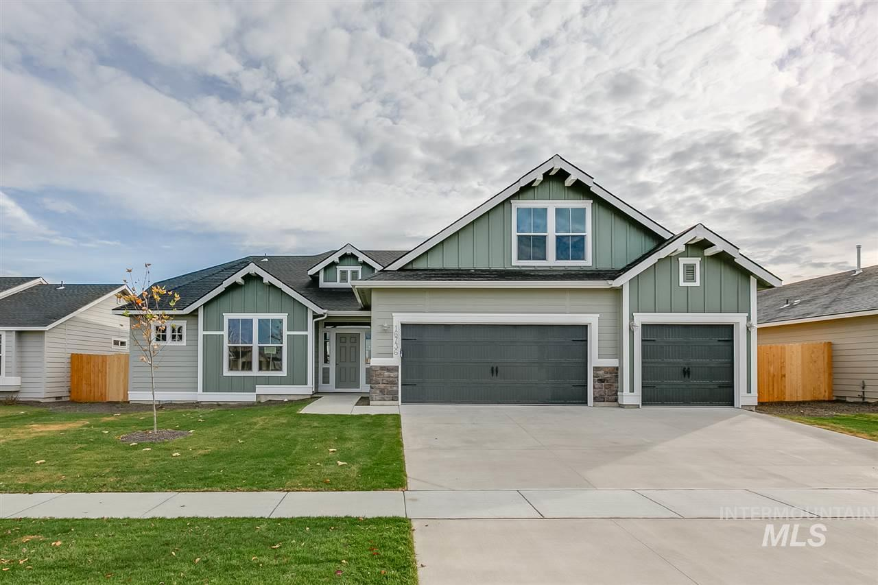 The Sonoma 2539, you will feel like you have arrived home! Enjoy this single level home with a bonus room! A spacious home is achieved with the escape-worthy master suite and modern great-room design. Price includes covered patio, fireplace, vaulted master bedroom, dual vanity and separate tub/shower, stainless steel appliances, granite kitchen counters, and more. Our homes are built with new high efficiency building codes. RCE-923