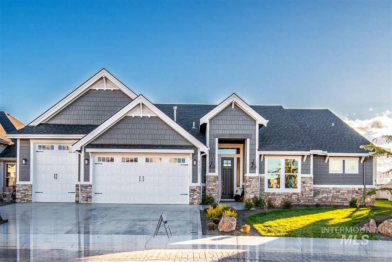 Gardner Homes presents the beautiful Fall River RV.  Perfect for busy life styles and entertaining large groups! Gardner quality through out. A must see in the amazing Spurwing Heights Sub close to the Spurwing Golf Course and Club House.