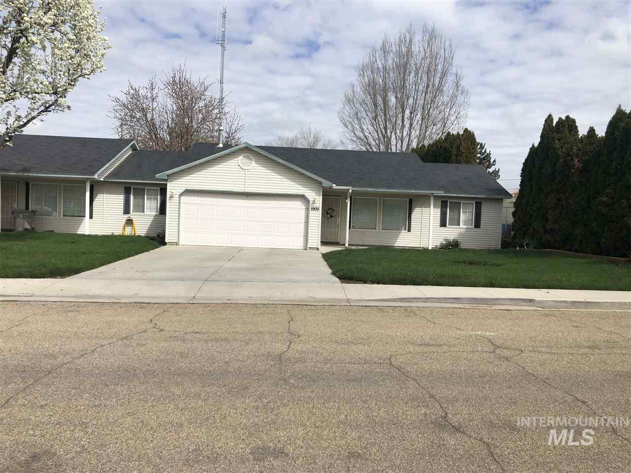 Terrace Dr., Caldwell, Idaho 83605, 3 Bedrooms, 2 Bathrooms, Residential Income For Sale, Price $280,000, 98725459