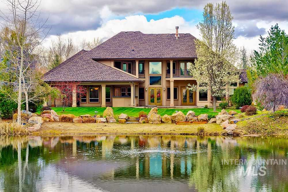 267 W River Meadow Drive, Eagle, Idaho 83616, 4 Bedrooms, 3.5 Bathrooms, Residential For Sale, Price $798,000, 98725490