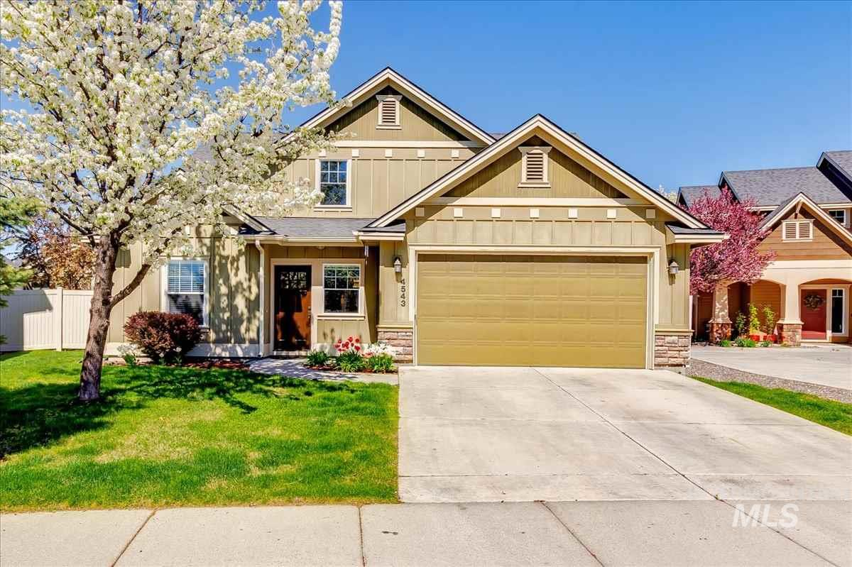 4543 N N Molly Way, Meridian, Idaho 83646, 3 Bedrooms, 2.5 Bathrooms, Residential For Sale, Price $315,000, 98726097
