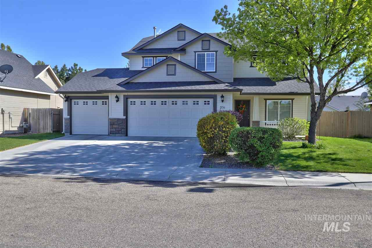 Well maintained home, New paint inside and outside, master bath has a large soaker tub & shower, close to schools and shopping, has a community pool with a nice community park close by and ready to be occupied right away.