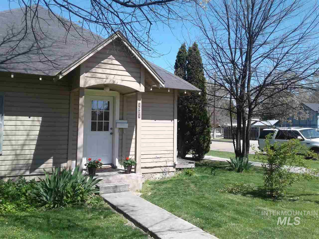 1521 Blaine St, Caldwell, Idaho 83605, 1 Bedroom, 1 Bathroom, Residential Income For Sale, Price $300,000, 98727075