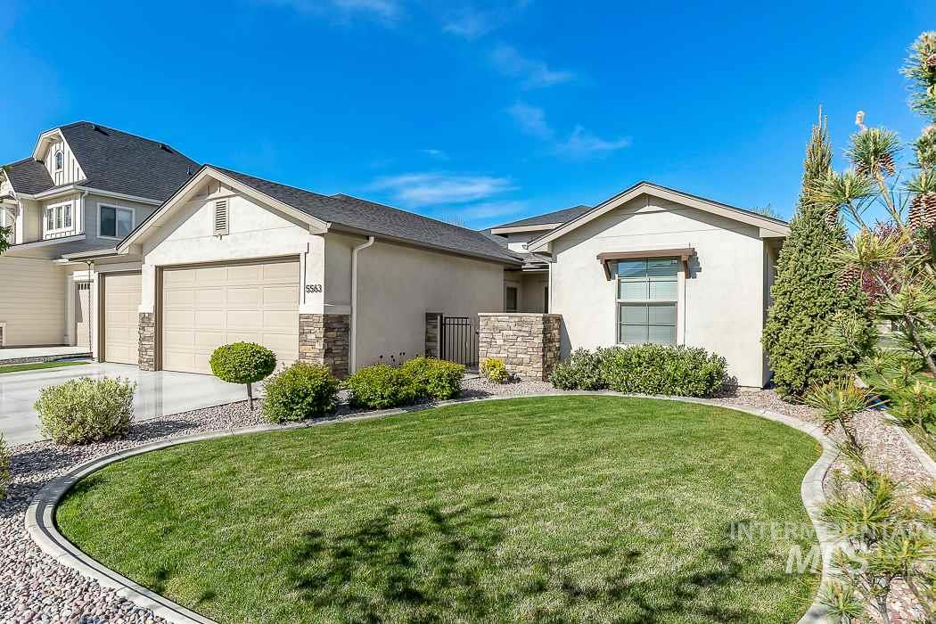 Located in the highly desirable community of Paramount.  This like new home situated on a corner lot features: a functional floor plan with a large master suite, bedrooms 2 & 3 and secondary bathroom has it's own separate wing!  Open concept with an upgraded kitchen complete with gas cook top, granite counters, island with breakfast bar that looks out to the great room and gas fireplace.  Seller's have installed a UV air purification system, a cooling/heating unit for the garage and upgraded landscaping.
