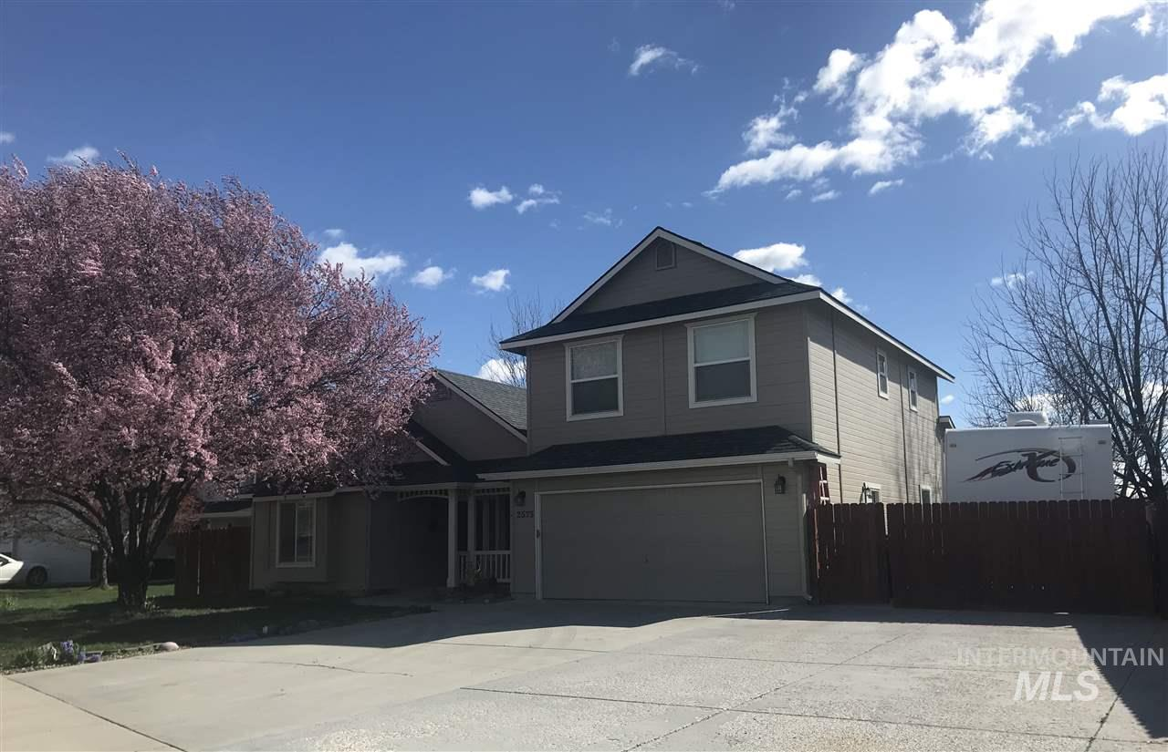 2575 W PARK STONE DR, Meridian, Idaho 83646, 4 Bedrooms, 3 Bathrooms, Residential For Sale, Price $324,900, 98728255