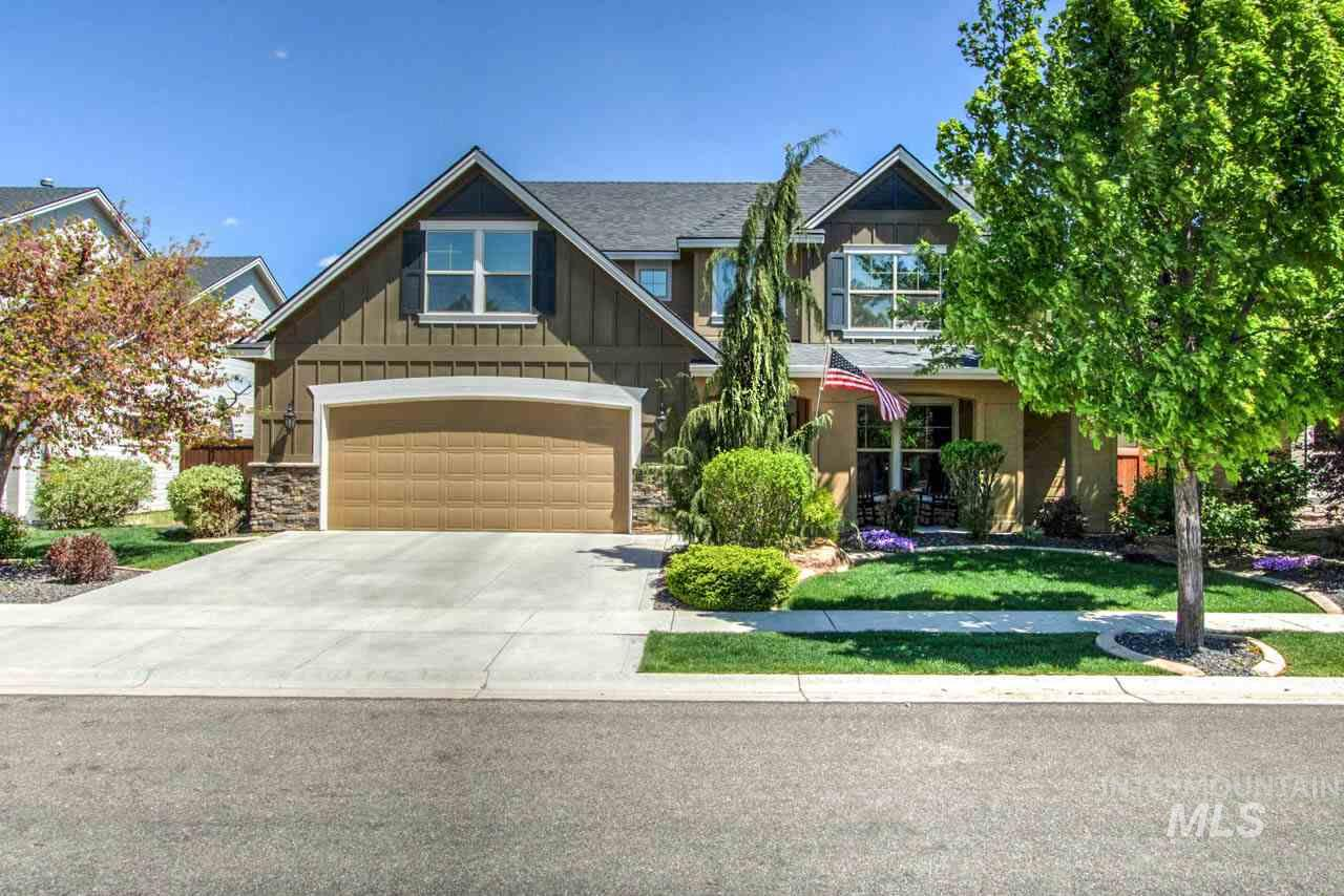 """Paramount Community-Beautiful Brighton Home-2328 sqft-3 Spacious bedrooms, 2.5 baths. 3 car garage.  East facing backyard. Upstairs bonus room. LG kitchen w/ granite counters, LG center Island, walk-in pantry, all SS appliances, incl Fridge, opens to dining & great rm. Wood wrapped windows, lovely fireplace, beautiful wood floors all make this home a """"must see."""" Master STE, spacious with walk-in closet, dual vanities, soaker tub, separate shower, separate WC. Community pools, parks, club house."""