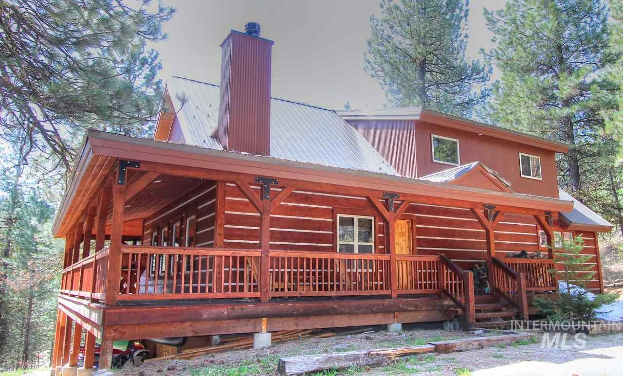 165 Crest Place, Cascade, Idaho 83611, 3 Bedrooms, 4 Bathrooms, Residential For Sale, Price $475,000, 98730161