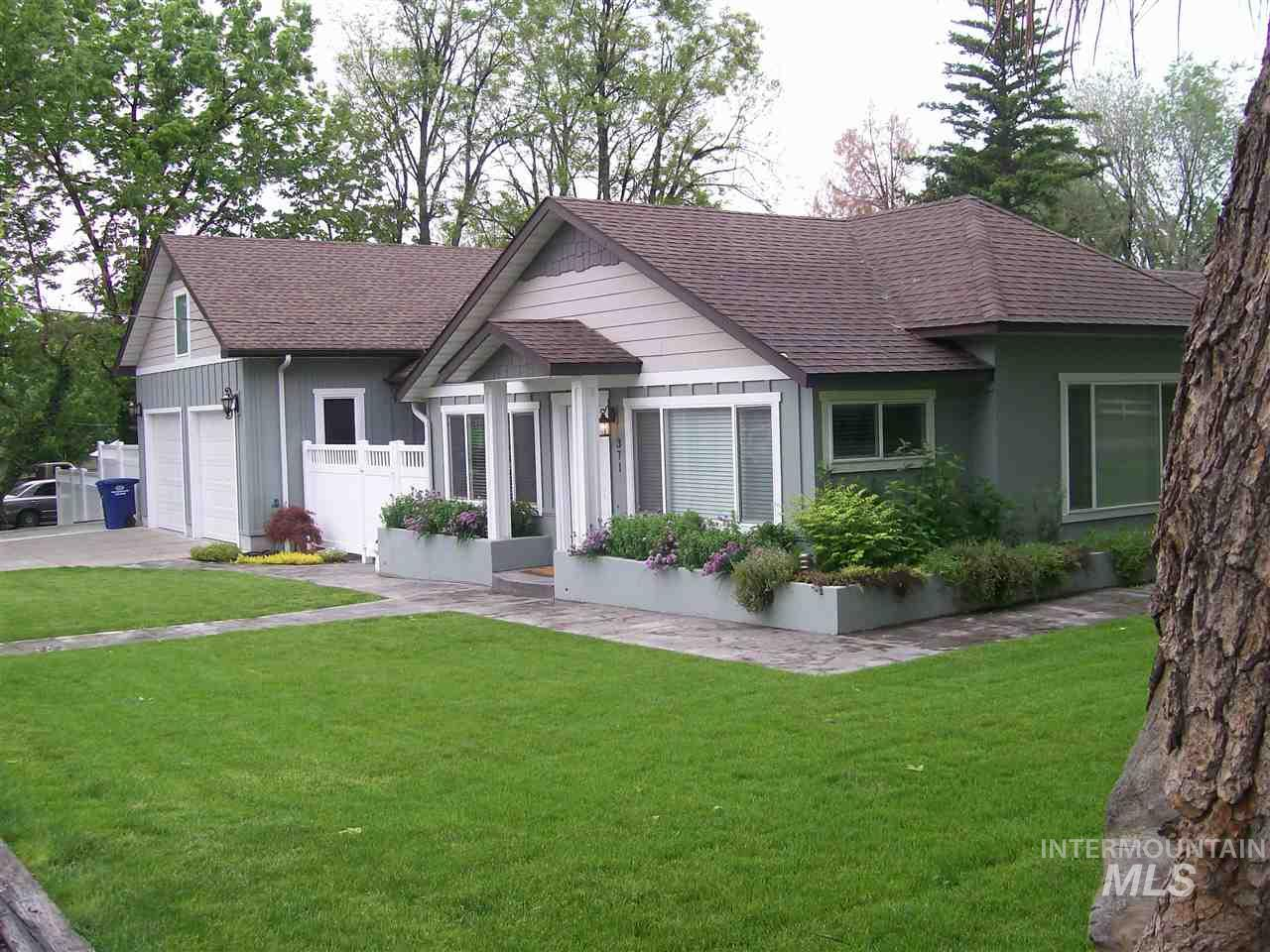 371 E Orchard, Hagerman, Idaho 83332, 3 Bedrooms, 2 Bathrooms, Residential For Sale, Price $250,000, 98730166
