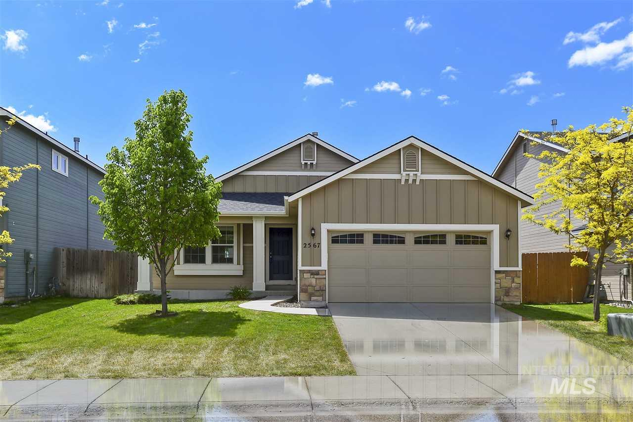 2567 E GRIFFON, Meridian, Idaho 83642, 3 Bedrooms, 2 Bathrooms, Residential For Sale, Price $287,000, 98731003