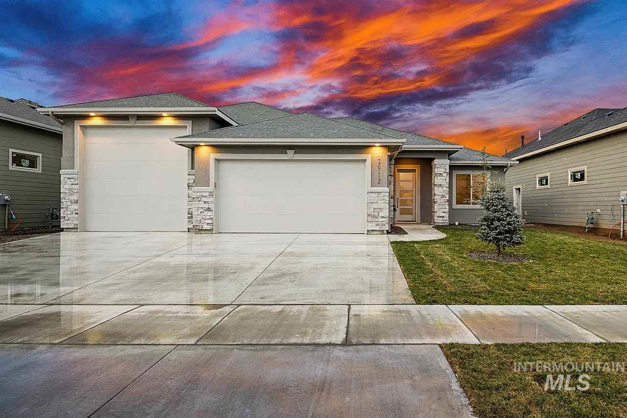 Elevated Lifestyle in Sky Mesa! 40' RV Bay to store all your toys. Be greeted by hardwood floors. Spacious & bright office or flex room. Split bedroom plan to maximize privacy through the house. Enjoy the granite counter tops, island & double ovens in the kitchen. SS appliances w/ gas range. Windows make living room bright & highlight the European custom mantel at the fireplace. Backyard is great for entertaining. Large master bedroom w/ patio door. Master bathroom highlights soaker tub walkin closet & more