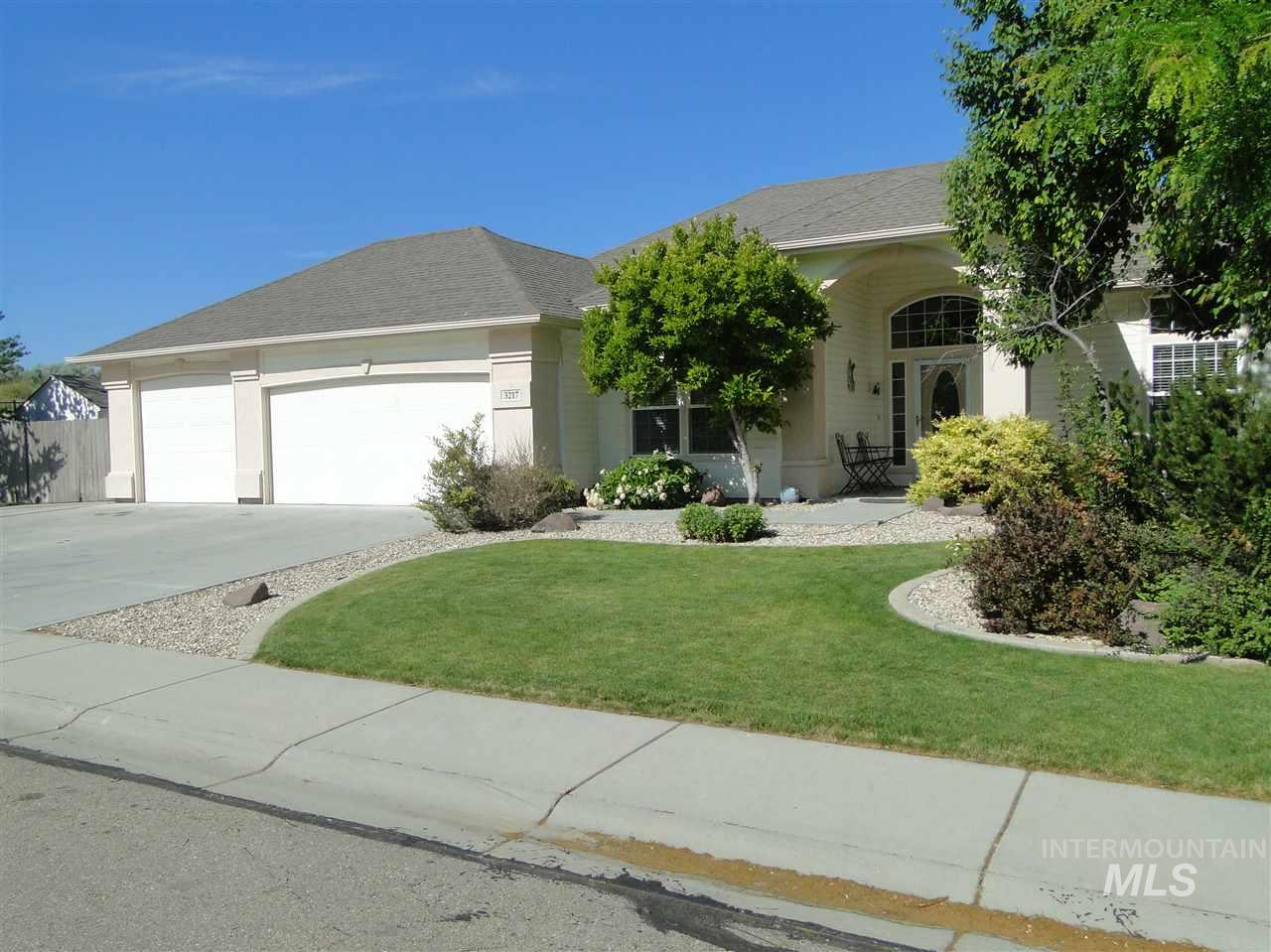 3217 S Kokomo, Nampa, Idaho 83686-0000, 3 Bedrooms, 2 Bathrooms, Residential For Sale, Price $315,000, 98733826