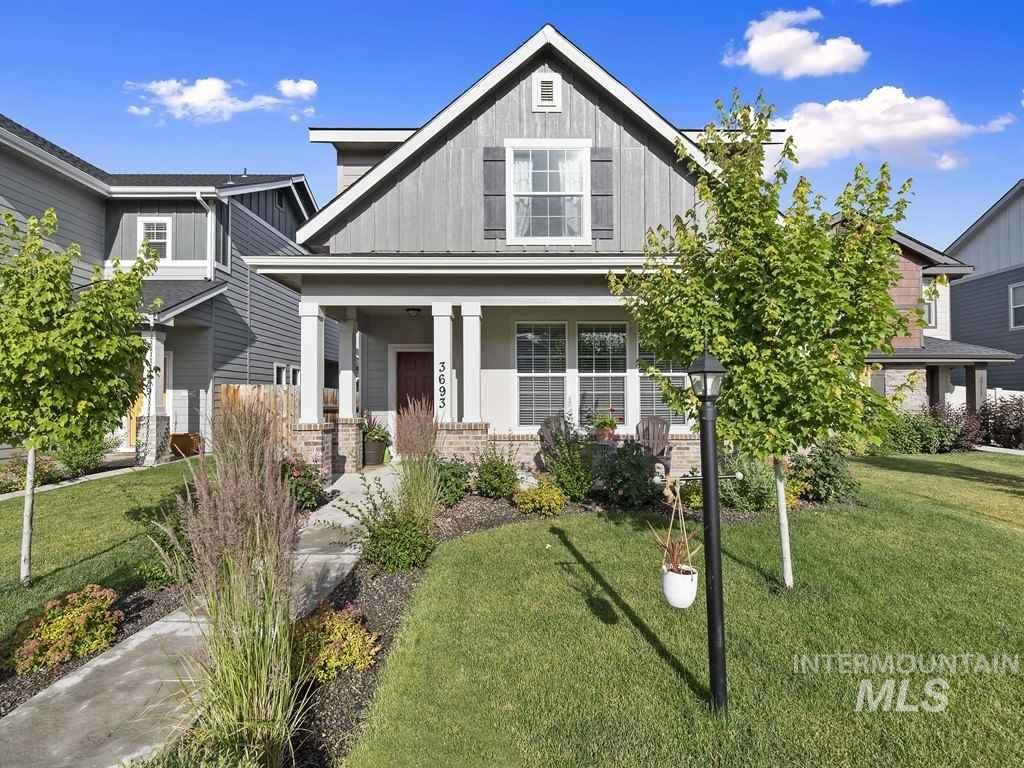 Nearly new home in Meridian. Close to Settlers park. Convenient location makes easy access for your daily travels. Well cared for and ready for you to move in and make your own. Low maintenance yard. Small office on main level, for all your devises.