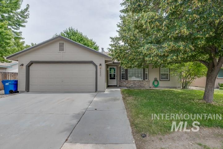 A beautiful home situated in a quiet northwest neighborhood close to the foothills. This residence radiates in curb appeal with mature trees, no back neighbors, and no HOAs. The home features updated flooring throughout, vaulted ceilings and tons of natural light in the living area, a large master with his and her closets, granite countertops, and tile flooring. Outside features a fully fenced backyard and back patio to enjoy all year long. The fridge, washer, dryer, & bbq grill are included. A must see!