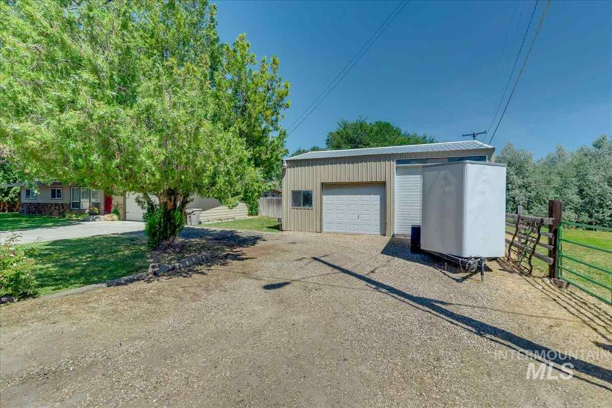 2322 W Roosevelt Ave, Nampa, Idaho 83651, 3 Bedrooms, 2 Bathrooms, Residential For Sale, Price $324,900, 98736886