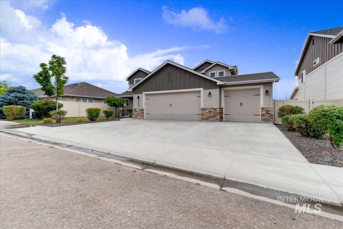 2285 W Beige Ct, Kuna, Idaho 83634, 4 Bedrooms, 2.5 Bathrooms, Residential For Sale, Price $374,900, 98736900