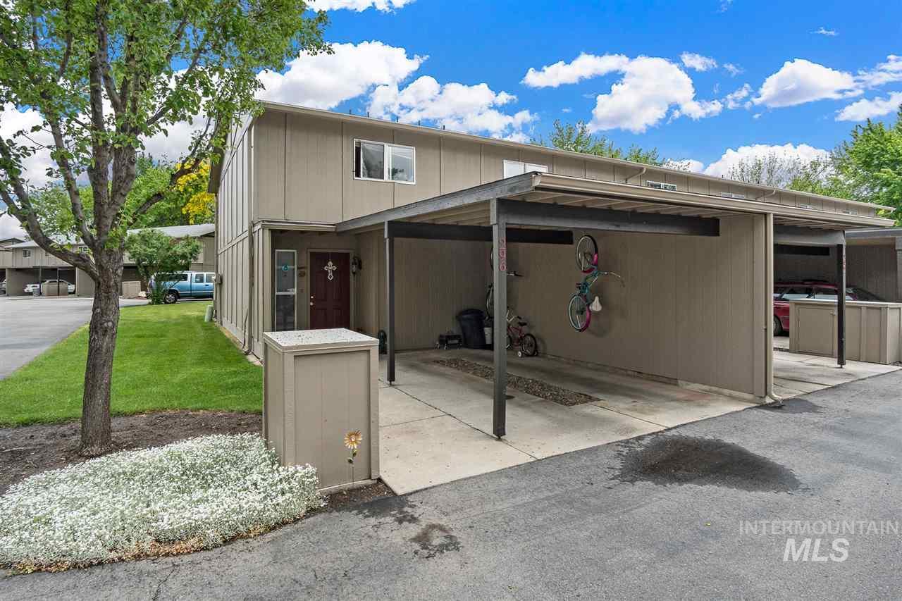 296 N. Eagle Glen, Eagle, ID 83616